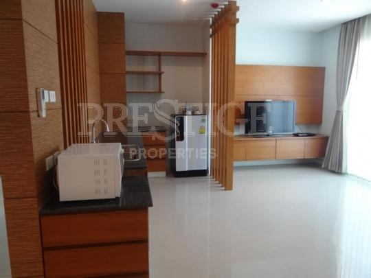 royal beach view Condominiums to rent in Pratumnak Pattaya