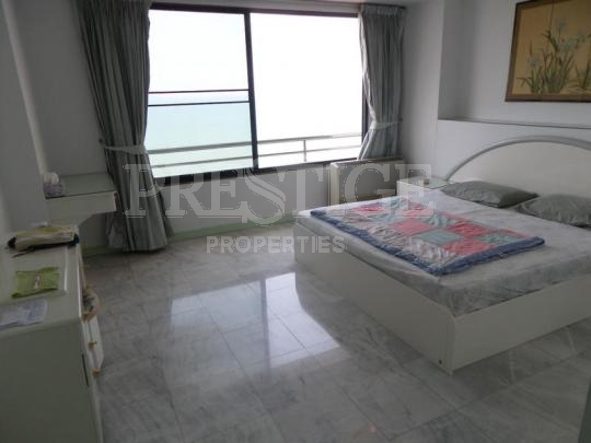 modern luxury condo with magnificent sea view  to rent in Wong Amat Pattaya