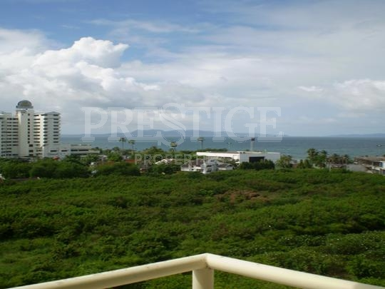 jomtien beach condo (rimhat) for sale in Jomtien Pattaya