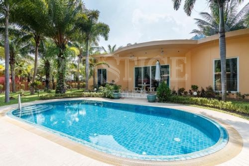 2 Bed 3 Bath in East Pattaya for 11,000,000 THB PC6465