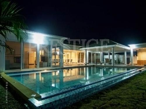 4 Bed 4 Bath in East Pattaya for 14,800,000 THB PC5607