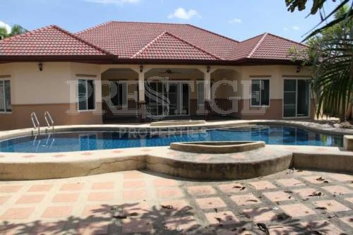 4 bedroom 4 bathroom in north pattaya for 7,200,000 THB PC5951