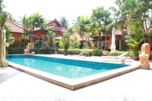 4 Bed 3 Bath in Huay Yai / Phoenix for 14,900,000 THB PC6252
