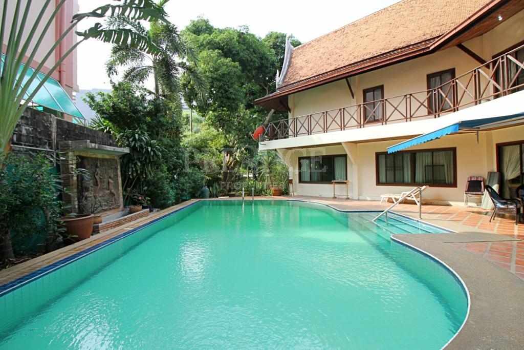 5 Bed 6 Bath in Naklua for 68,000,000 THB PC7106
