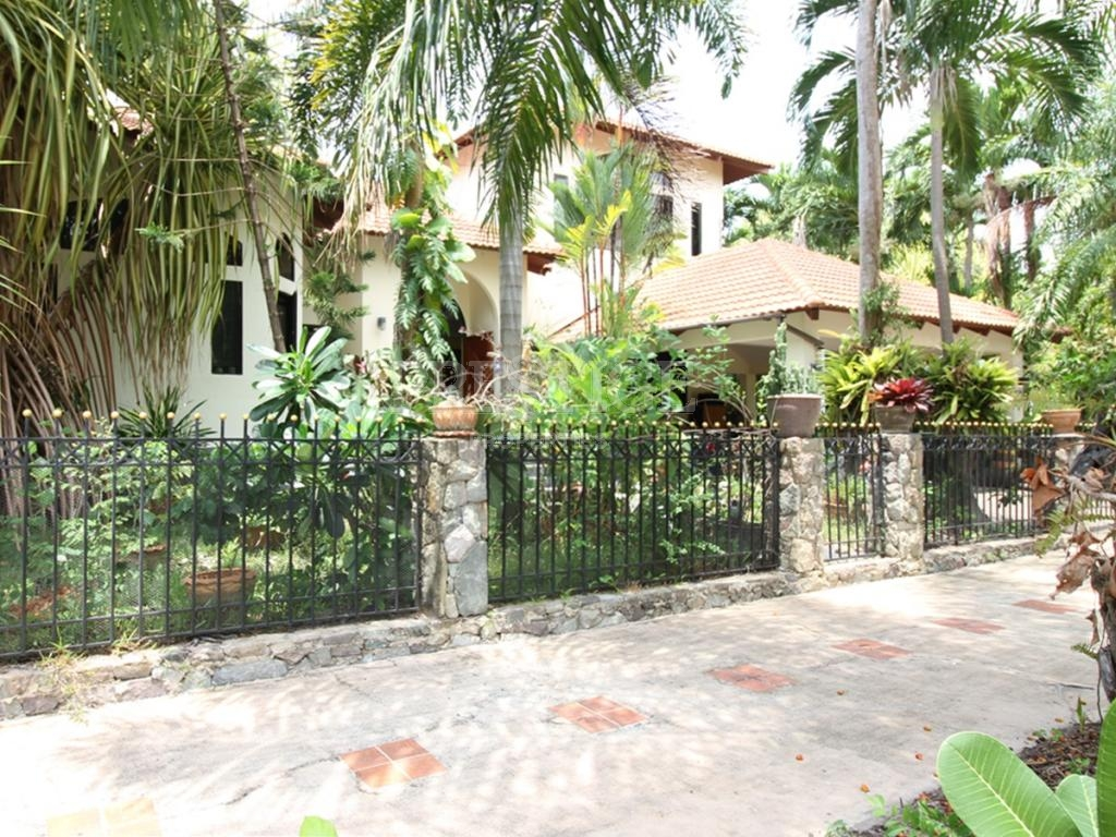 4 Bed 4 Bath in East Pattaya for 14,800,000 THB PC7194