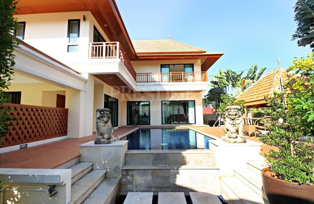 4 Bed 4 Bath for 12,900,000 THB PC7242