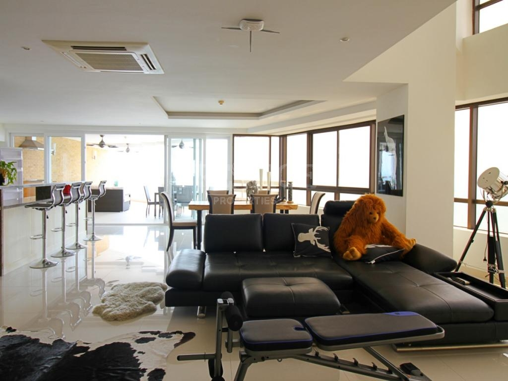 3 Bed 4 Bath in Jomtien for 24,800,000 THB PC7261