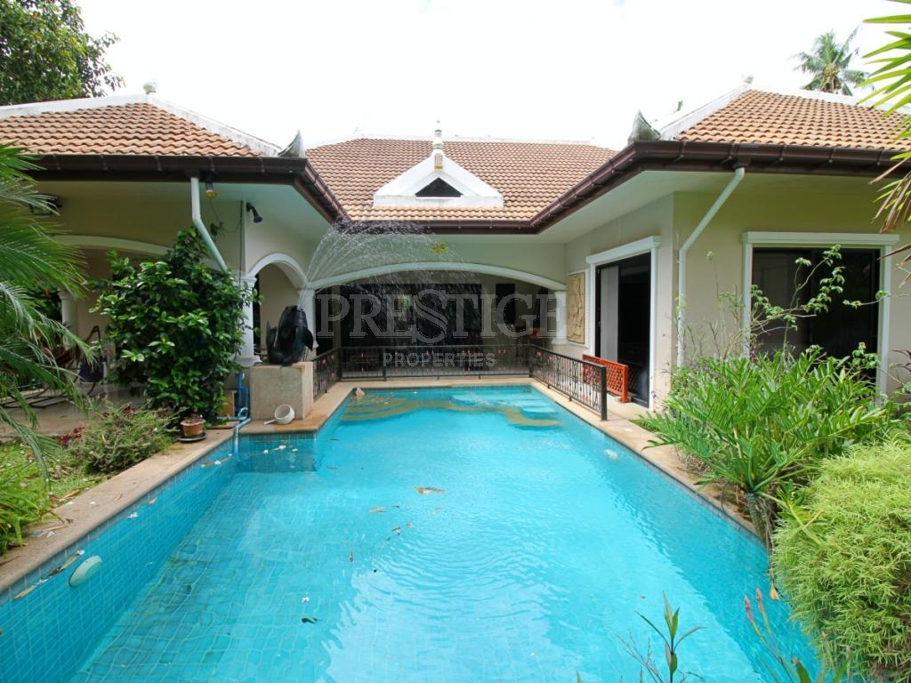4 Bed 4 Bath in Na-Jomtien / Bang Saray for 15,000,000 THB PC7507