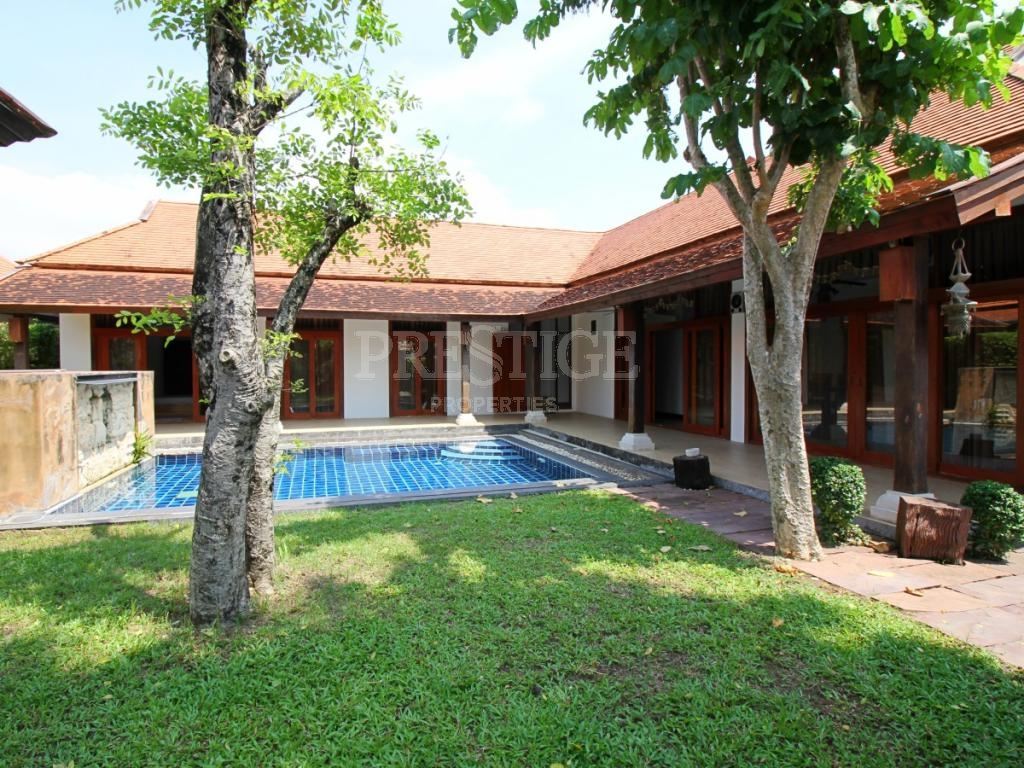 3 Bed 4 Bath in East Pattaya PC7635