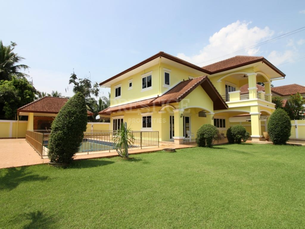 3 Bed 4 Bath in East Pattaya for 9,900,000 THB PC7636