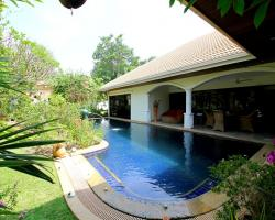 4 Bed 5 Bath in Jomtien for 29,900,000 THB PC7672