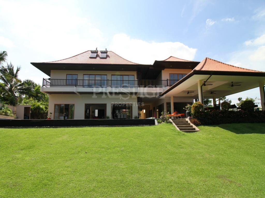 4 Bed 4 Bath in Other for 16,500,000 THB PC7677