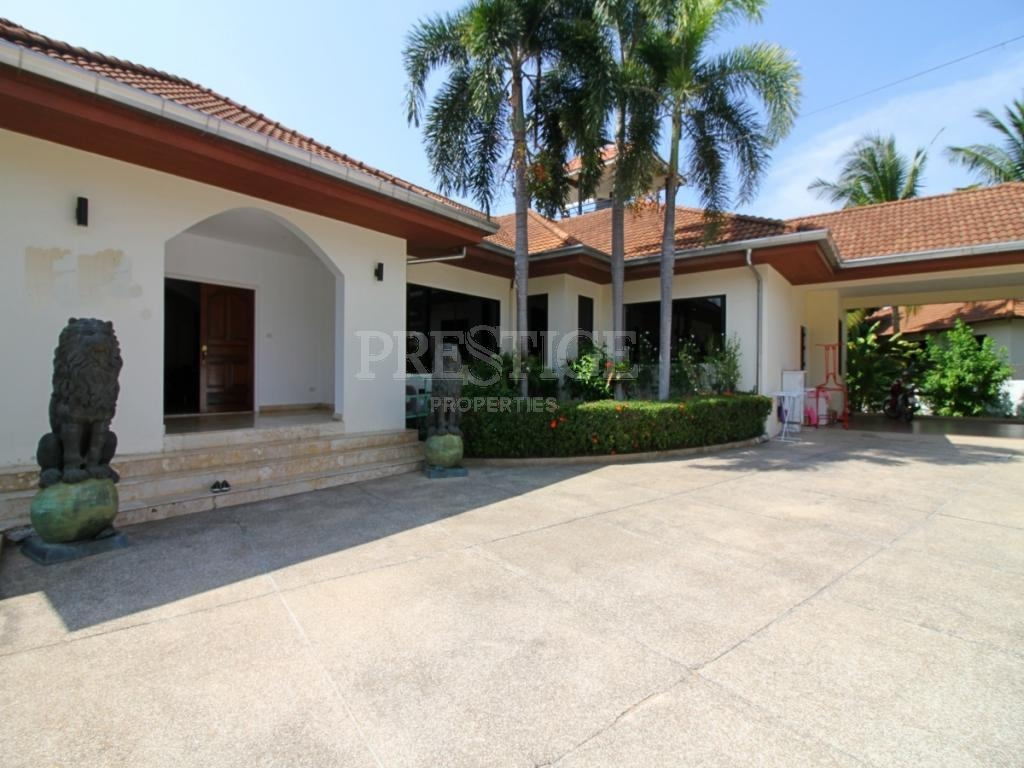 5 Bed 5 Bath in East Pattaya for 15,000,000 THB PC7685