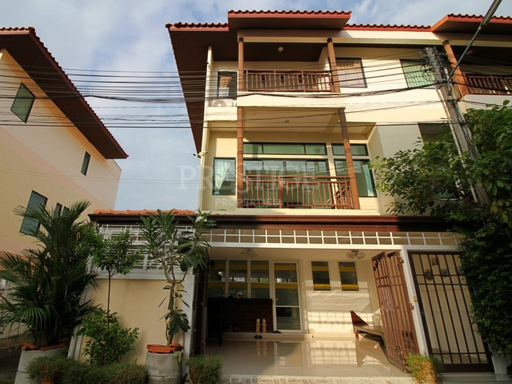 4 Bed 5 Bath in Central Pattaya for 4,750,000 THB PC7687