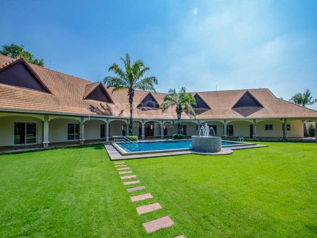 6 Bed 4 Bath in East Pattaya for 33,000,000 THB PC7692