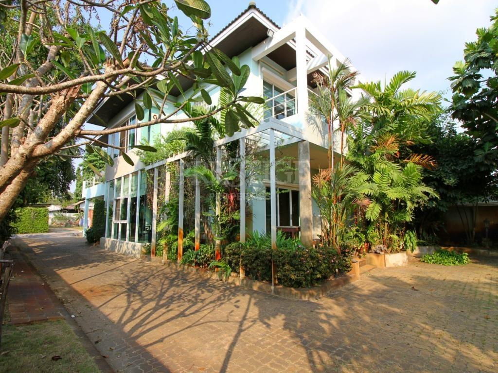 6 Bed 4 Bath in North Pattaya for 18,950,000 THB PC7734