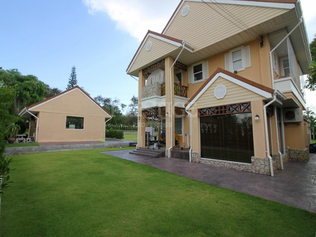4 Bed 4 Bath in Rayong for 13,500,000 THB PC7767