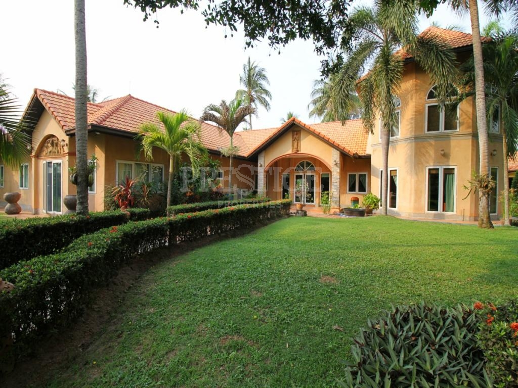 6 Bed 4 Bath in Huay Yai / Phoenix for 27,500,000 THB PC7809