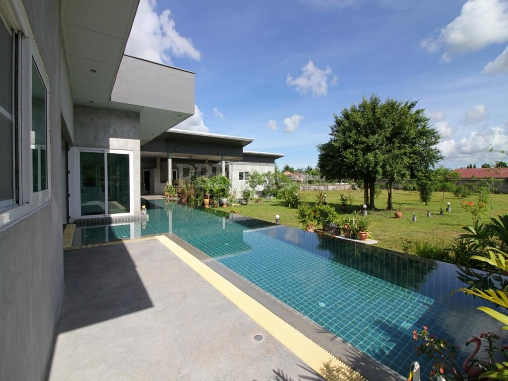 9 Bed 8 Bath in East Pattaya for 15,500,000 THB PC7916