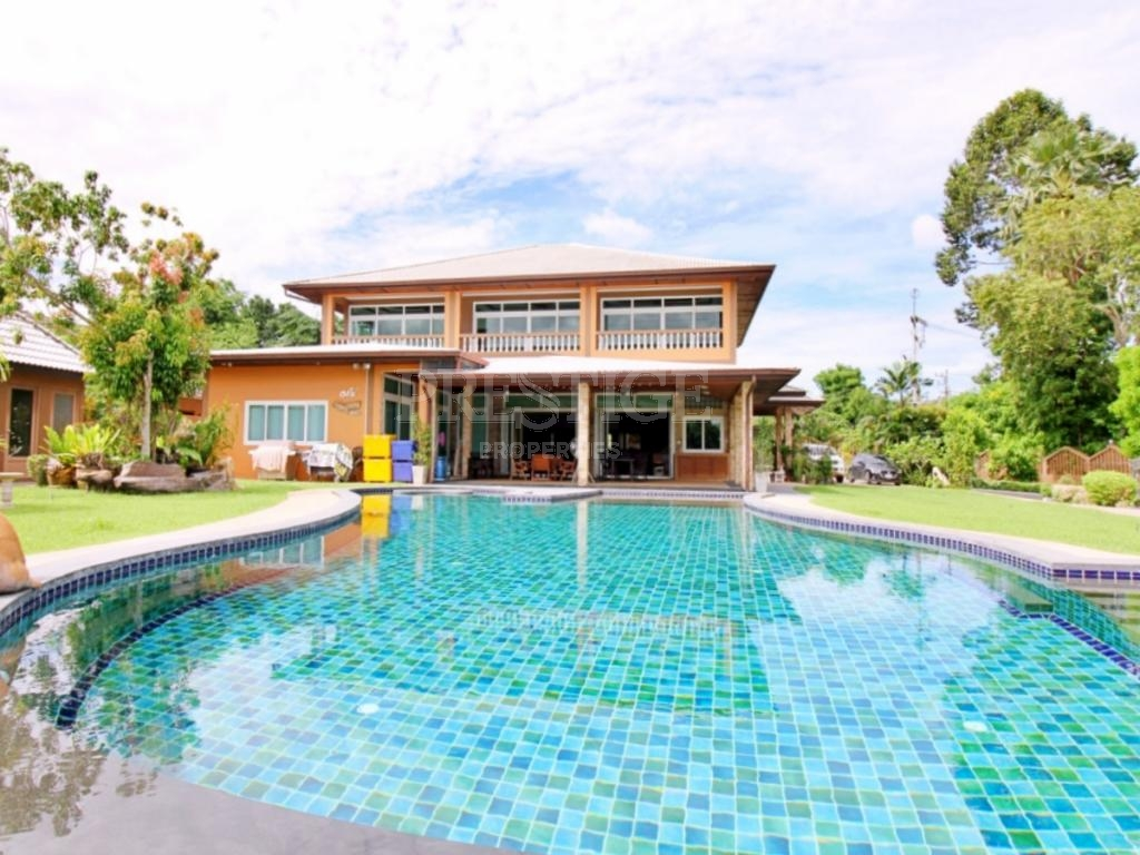 6 Bed 9 Bath in East Pattaya for 30,000,000 THB PC8026