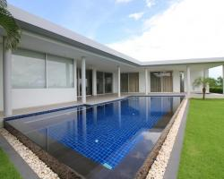 3 Bed 3 Bath in Huay Yai / Phoenix for 28,400,000 THB PC8079