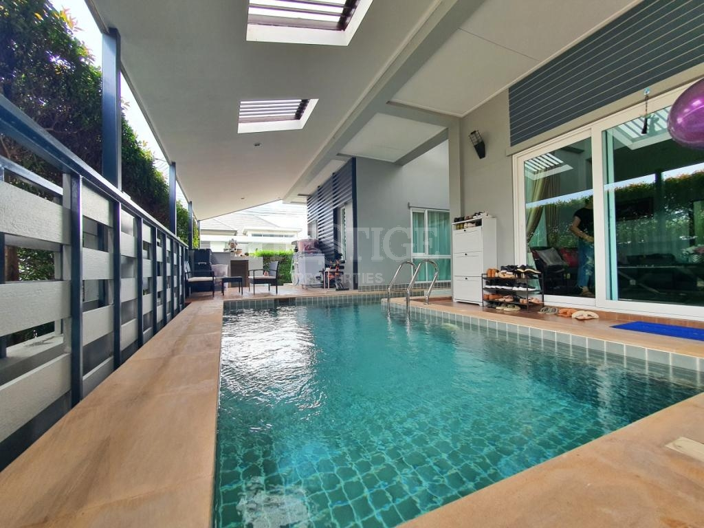4 beds 3 bath in East Pattaya for 9,500,000 THB PC8452